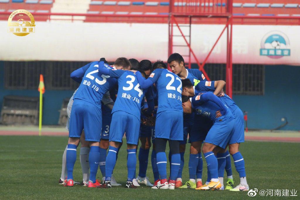 足球报:河南调整战略重点培养年轻球员 多名00后球员进入一队-建业V