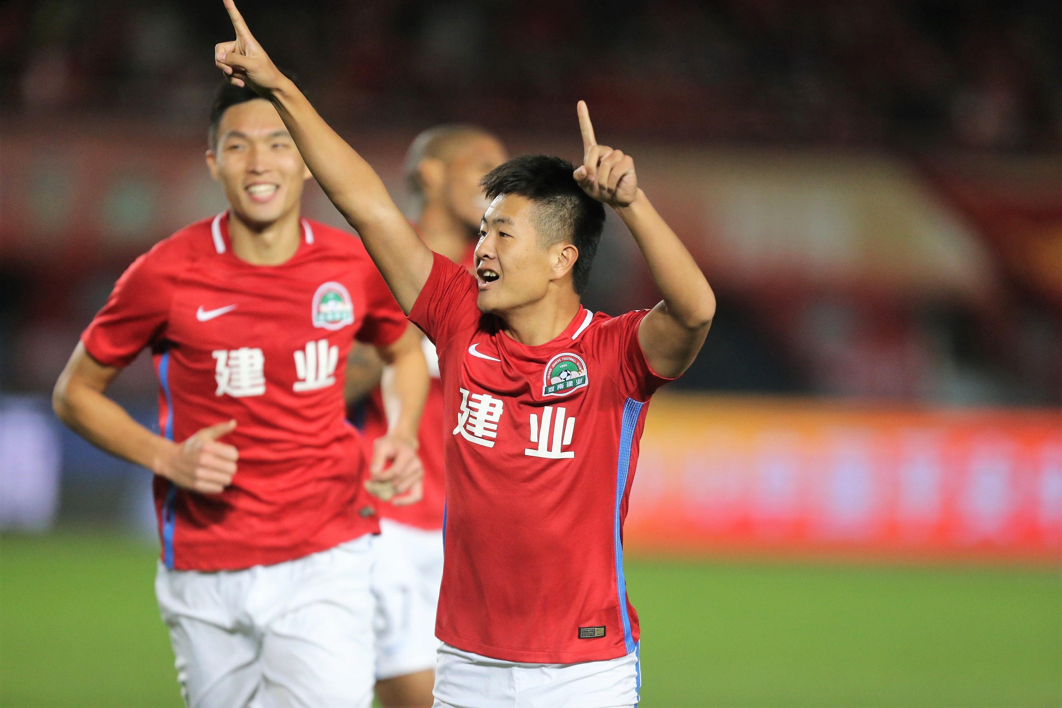 郑州日报:嵩山龙门多名离队球员再就业,杜长杰签约陕西-建业V